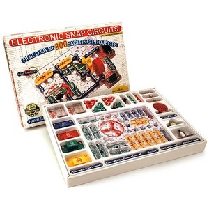 Photo of the: Snap Circuits 300 Electronics Kit